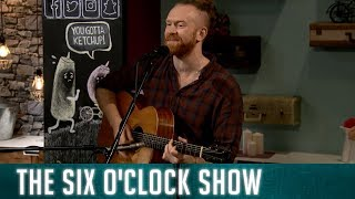 Newton Faulkner performs 'Send my on my way'   The Six O'Clock Show