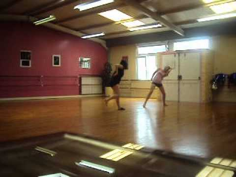 Duo Jy Danse sur Ruthless Gravity (Craig Amstrong) et Candy (Far East Movement)