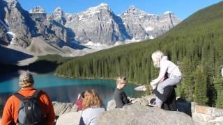 / 621 Zycie w Kanadzie -- Cudowne Moraine Lake , gorskie jezioro 1,885 mnp