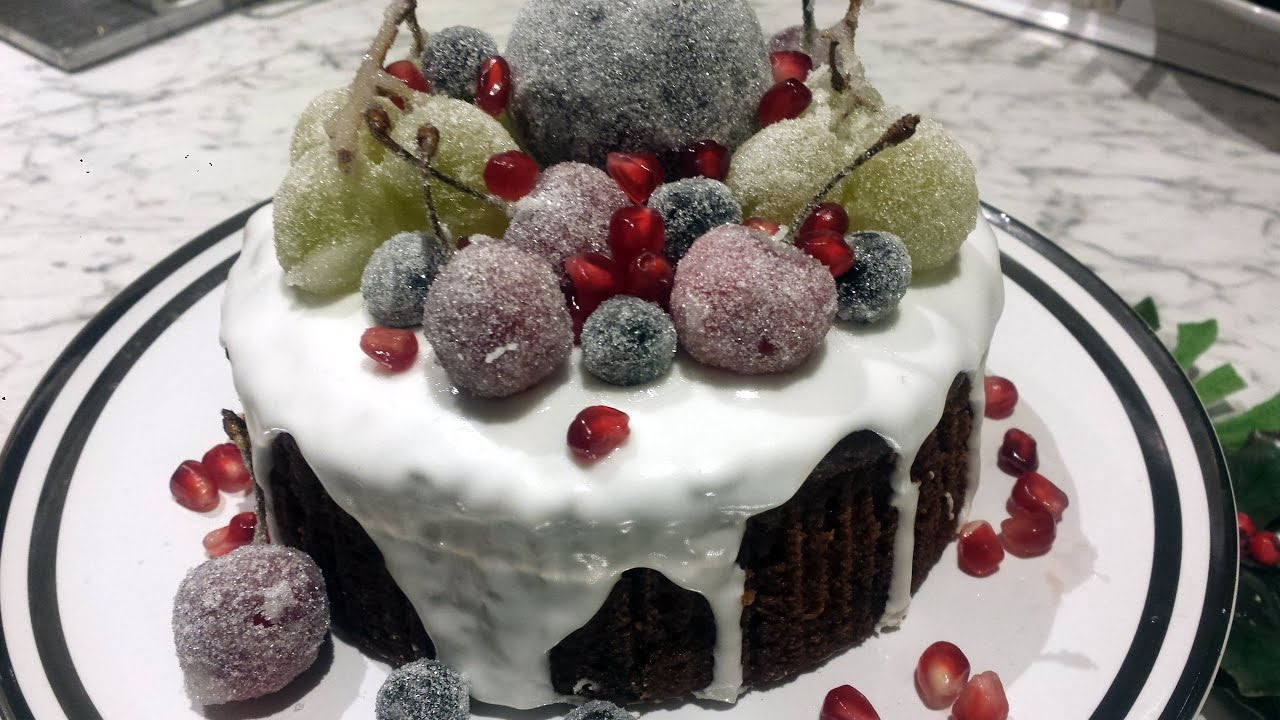 decorating christmas cake with fruit. Black Bedroom Furniture Sets. Home Design Ideas