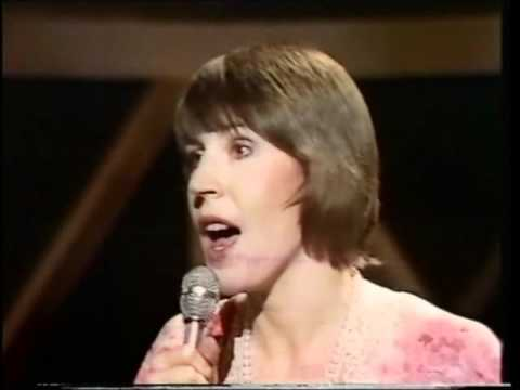 HELEN REDDY - YOU AND ME AGAINST THE WORLD - QUEEN OF 70s POP - GLEN CAMPBELL MUSIC SHOW