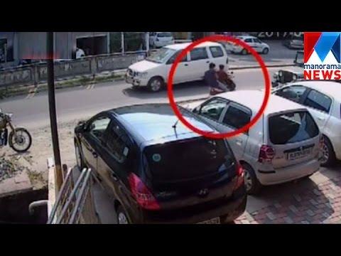 Gunda attack against used car showroom in Kochi   Manorama News