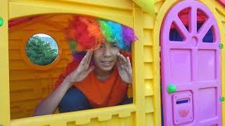 Андрей покупает сломанные машинки трактор и полицейская машина для детей