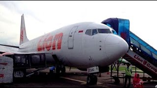 Naik Ke Pesawat Lion Air Tujuan   Pontianak