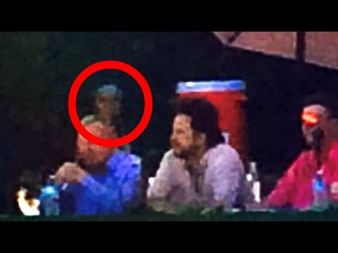 Breaking News! UFO Sightings Alien Cryptid Visits Major Public Event! Aug 2014