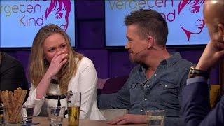 Pip tot tranen geroerd door Johnny's goede doel - RTL LATE NIGHT