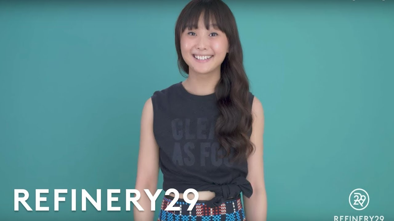97d54aeb21 How To Tie A T-Shirt | Split Second Styling Tips | Refinery29 - YouTube