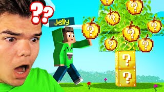 Eating LUCKY FOOD In MINECRAFT...