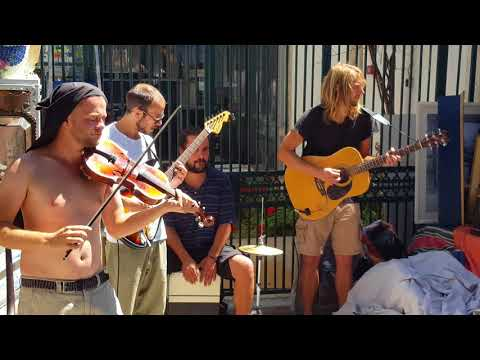Street Performers Singing Musicians ||  Awesome (Lisbon Portugal)
