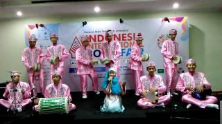 Marawis SMP IT Nurul Ilmi Cibarusah IIBF 2014
