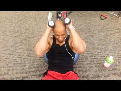 Musclemania TV - Aaron Hairston Training Upper Abs, Pecs, & Tricepts