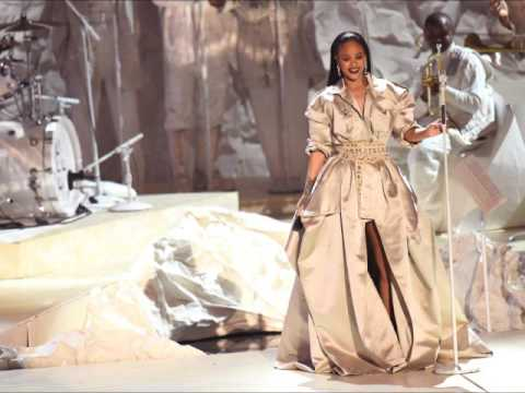 Rihanna - VMA 2016 (Stay, Diamonds & Love...