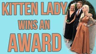 kitten-lady-wins-advocacy-award-with-jackson-galaxy
