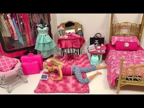 Barbie Bedroom Routine! Big Bath Tub!