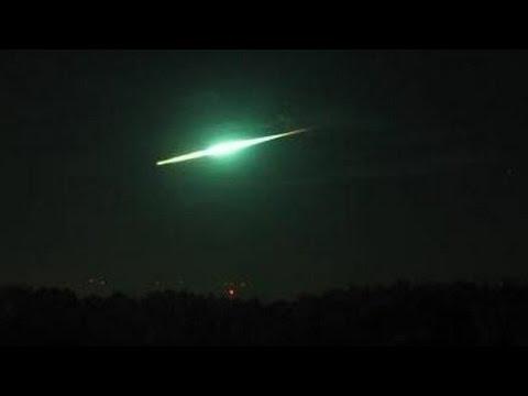 Meteor Bolide Falling Over Poland 31.10.2015 Compilation / Meteoryt Bolid Nad Polskim Niebem