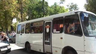 Стоит посмотреть: Отправление детей Донбасса на отдых в Крым(, 2015-08-20T10:06:00.000Z)
