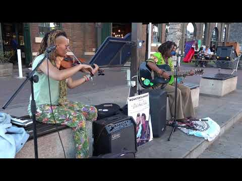 didi-&-jules---emotional-song-street-performance-(violin-+-guitar)-cape-town-south-africa
