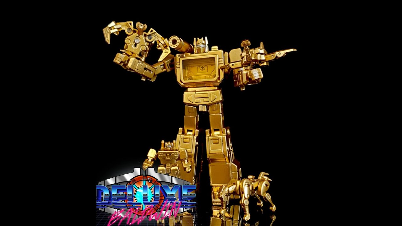 Gold Version of NewAge Toys Scaramanga G1 Soundwave by Deluxe Baldwin