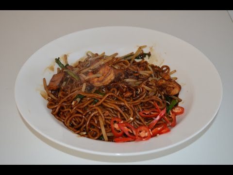 NOODLES - MALAYSIAN FRIED HOKKIEN MEE WITH HOME MADE NOODLES