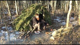 Solo Bushcraft Overnighter - Natural Shelter