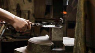 Самодельные приспособления для работы с металлом изготовленные своими руками мастером самоделкиным(Смотрите видео ролики Сделай сам ..., 2015-05-24T18:17:16.000Z)