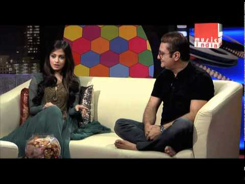 Riya Sen and Vinay Pathak discuss their views on Marriage and Film-making