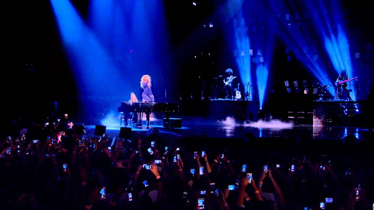 Beyoncé X10: 1+1 - BEYONCÉ Platinum Edition Available on iTunes: http://beyonce.lk/itunesplatinum  Available on Amazon: http://beyonce.lk/platinumam