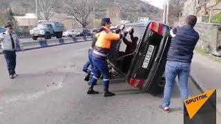 Цепная авария на проспекте Мясникяна в Ереване - видео с места происшествия