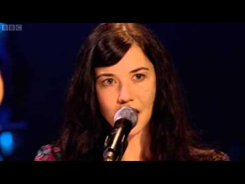 "LISA HANNIGAN ""At The Chime Of A City Clock"" / live / a ..."