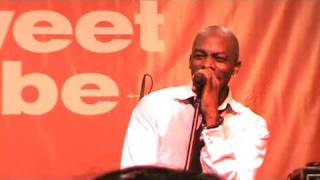 """R&B Artist Joe Performs """"All the Things (Your Man Won"""