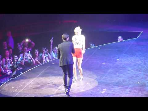 Taylor Swift ft. Danny O'Donoghue - Breakeven, Live at the O2, London