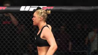 ea sports ufc ring girls ronda rousey vs miesha tate   girl fight