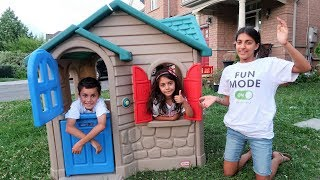 Teleporting from Playhouse to Movie Theater to watch Incredibles 2! Kids Pretend Play