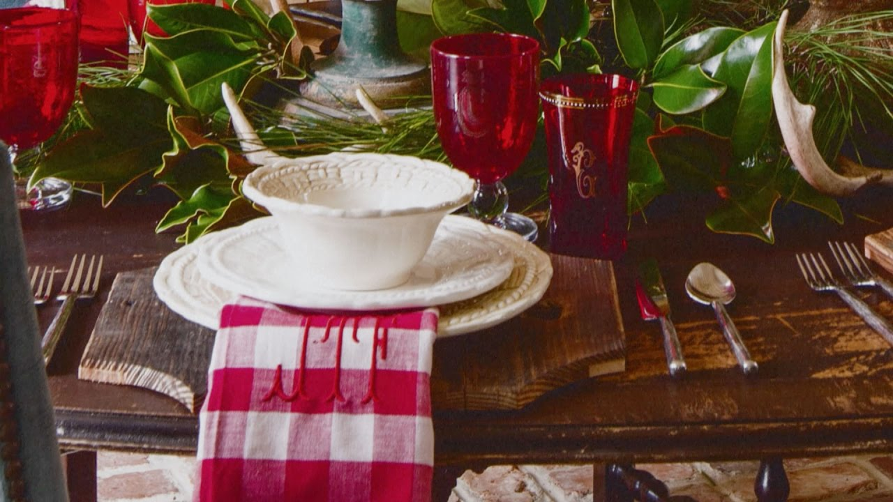Setting a Christmas Table with James Farmer | Southern Living : southern table settings - pezcame.com