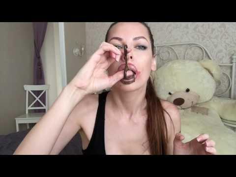 Как сделать губы более объемными, как у Анджелины Джоли - Видео онлайн