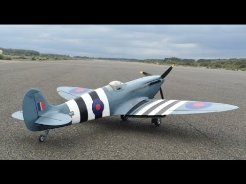 DEANO TEST FLYING A CARF MODELS RC 1/4 SCALE SPITFIRE PR MK 1X FOR LEE AT WOODBRIDGE AIRBASE - 2014