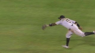 PIT@CHC: Harrison makes an outstanding diving catch