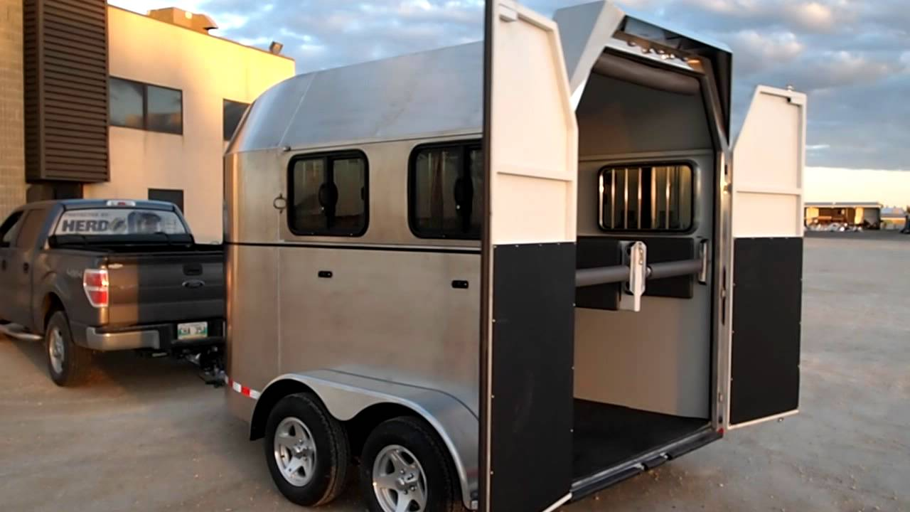 Safr Perfecta Horse Trailer W Barn Door And Tack Locker