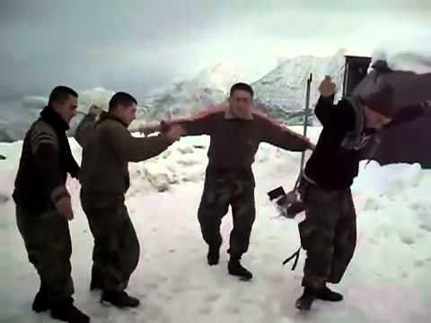 Mehmetçik Şırnak Dağlarında Oyun Havasıyla Oynuyor