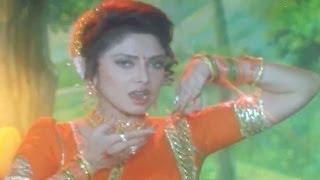 Song from super hit marathi movie painjan (1995) starring: ashok saraf, ajinkya deo, varsha usgaonkar, nishigandha wad, sadashiv amrapurkar, nilu phule. musi...