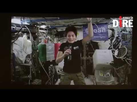 """Spazio: AstroSamantha Cristoforetti: """"L'Italia vista dallo spazio scalda il cuore"""" VIDEO"""