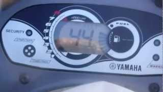 Darin test the Yamaha vx cruisers top speed on Lake Wateree 2012