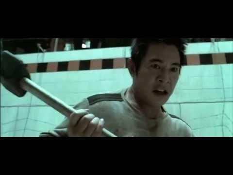 Драка в бассейне - (Дэнни - цепной пес / 2005)