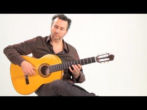 How to Hold a Flamenco Guitar | Flamenco Guitar