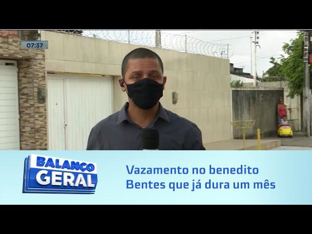 Mais desperdício: Morador denuncia vazamento no benedito Bentes que já dura um mês