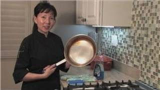 Cookware : How to Clean Baked-on Grease in Pan