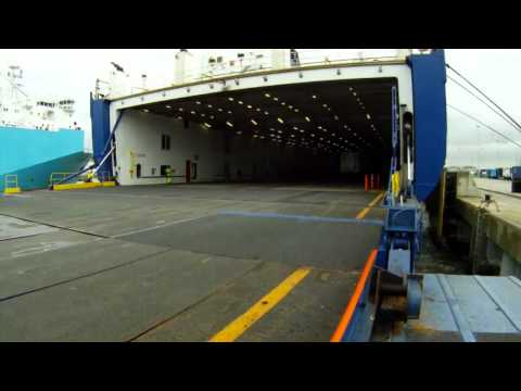 Strategic sea-lift at minimum cost
