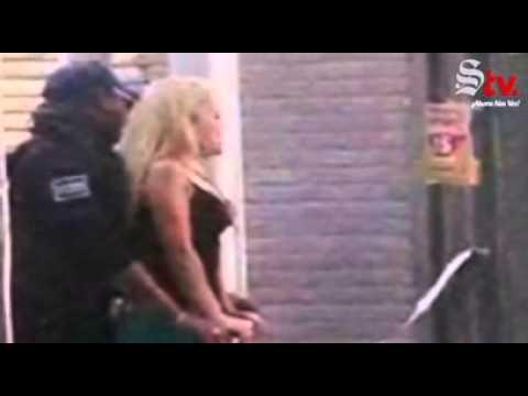 Captan a policía de Torreón 'muy querendón' con una rubia