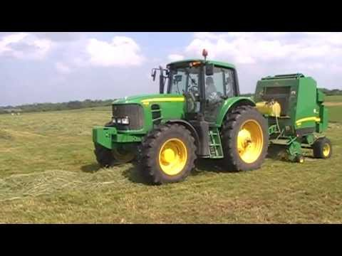 John Deere 7330 and 582 Silage Special Round Baler