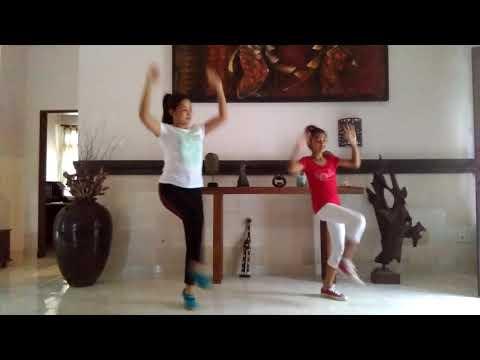 MERAIH BINTANG  Via Vallen  ZUMBA  Choreo By Dyasmini